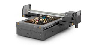 Планшетный УФ-принтер Ricoh Pro T7210 для промышленной печати